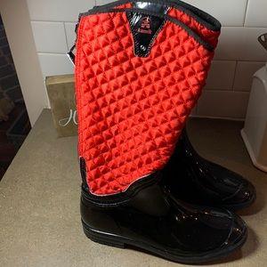 Rain boots women's size 10